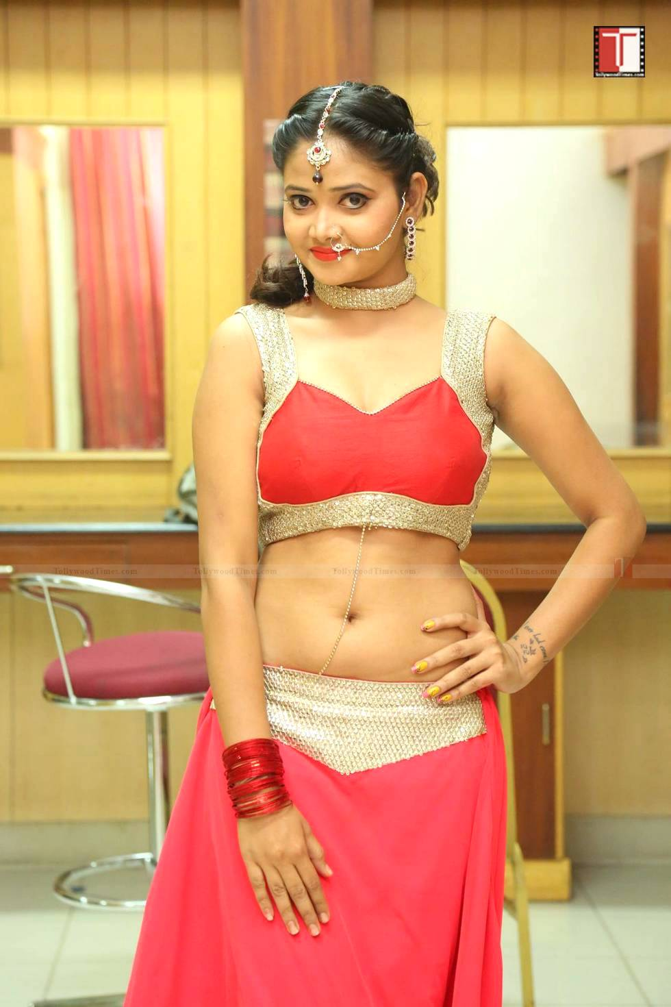 shriya vyas at rakshasudu movie audio launch tollywoodtimes